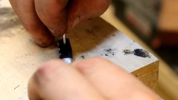 Как превратить болт в красивый маленький сувенирный охотничий нож