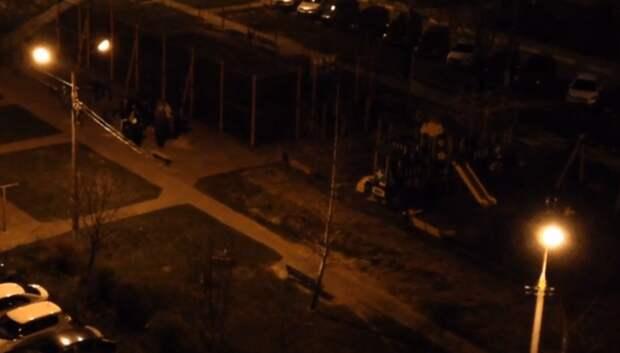 В Климовске более 20 подростков ночью занимались спортом и шумели