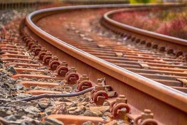 Из-за схода поезда с рельсов в США произошла утечка соляной кислоты