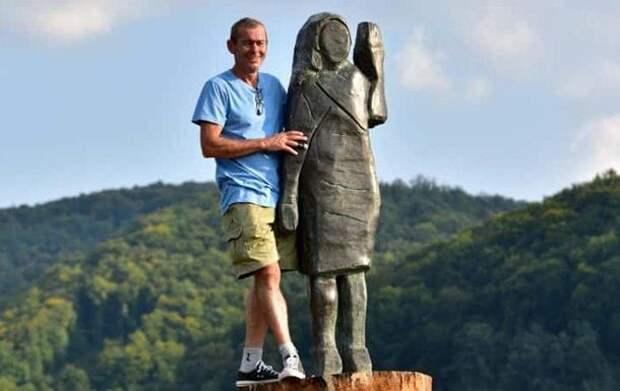 В Словении установили новую статую Мелании Трамп