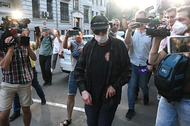 Адвокат Ефремова удивился большому числу потерпевших