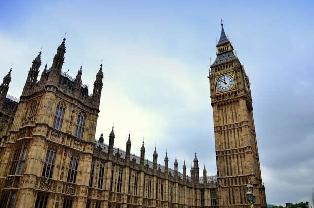 """Великобритания планирует ввести """"цветную"""" систему ограничений для въезда в страну из-за коронавируса"""