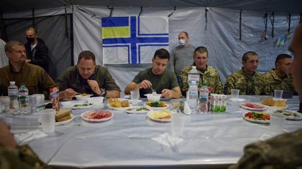 Минобороны Украины разрешило кормить солдат «просрочкой»