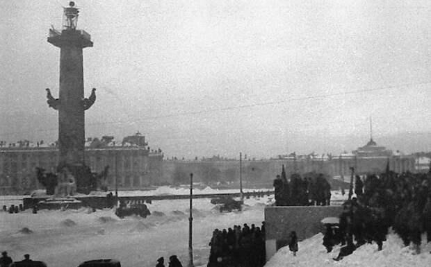 Зачем Сталин вернул улицам Ленинграда «царские» названия