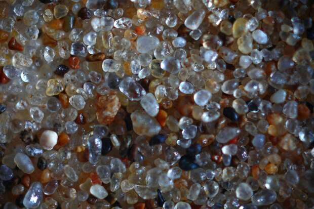 Золотистый кварцевый песок из Крыма