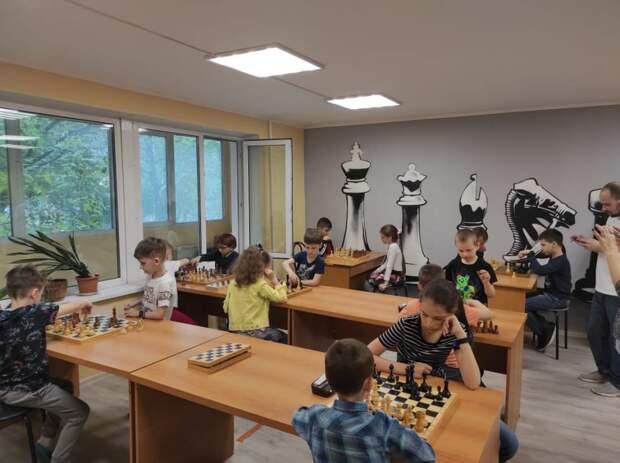 Шахматисты Печатников вновь переиграли соседей из Кузьминок