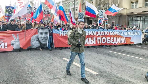 Либералы победили в Москве. Саакашвили прорвал границу. Где связь?