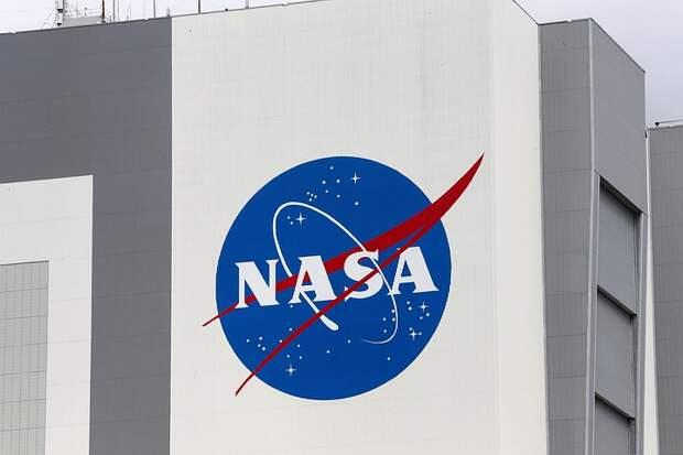 SpaceX выиграла контракт NASA на доставку астронавтов на Луну