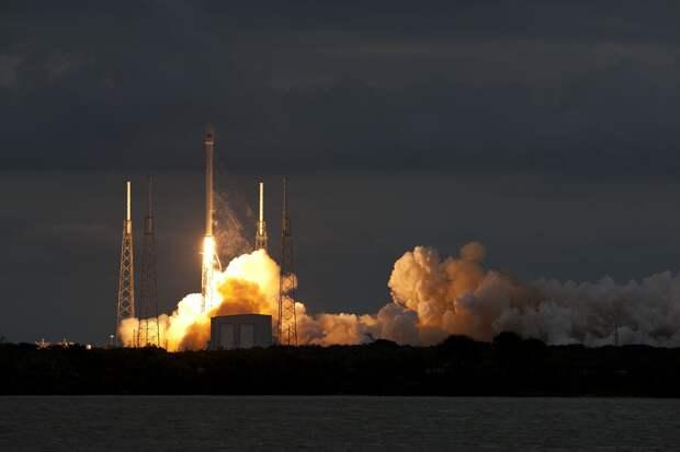 Пилотируемый корабль Crew Dragon-2 стартовал к МКС