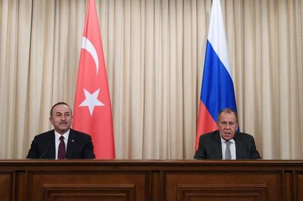 Главы МИД России и Турции обсудили ситуацию в Карабахе
