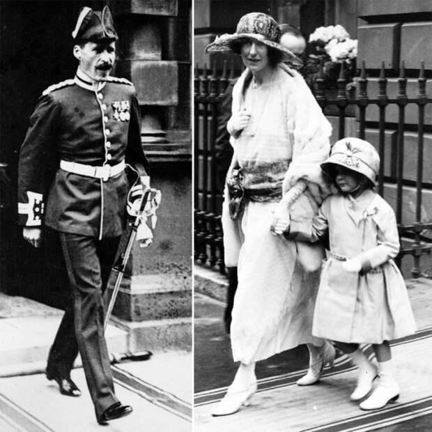 Джон Боуз-Лайон и его жена Фенелла с одной из здоровых дочерей