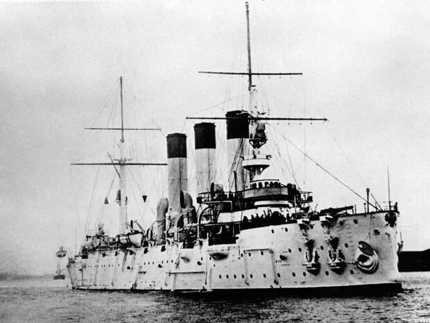 5 исторических фото крейсера «Аврора», который спустили на воду 120 лет назад