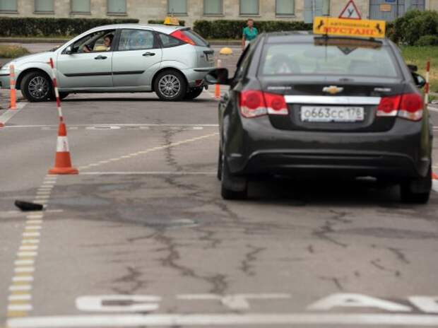 Между Минэкономики и Минобрнауки разгорелся спор из-за площадок для автошкол