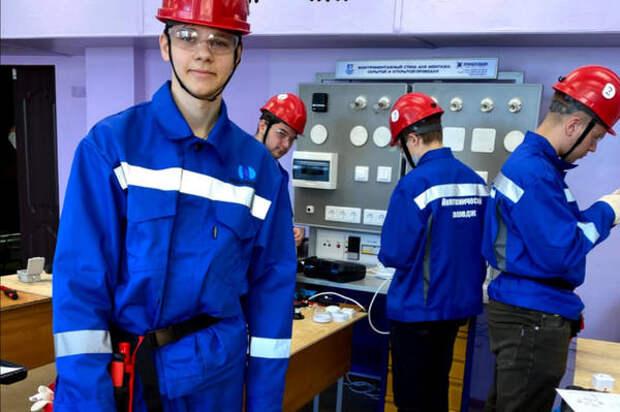 На конкурсе профмастерства в Норильском политехническом колледже назвали лучшего электромонтера
