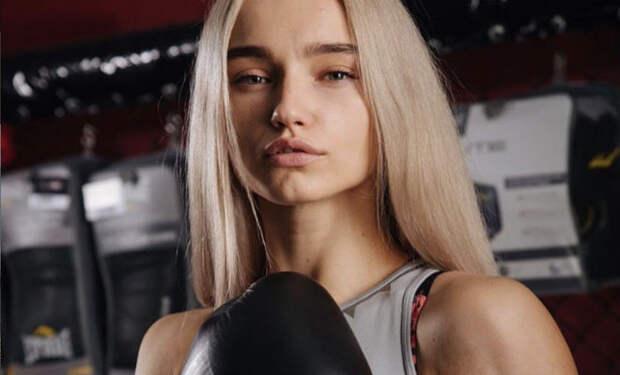10 самых красивых девушек-бойцов