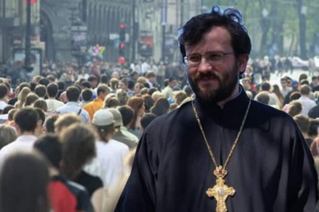 Обиженный священник-предатель решил гадить Порошенко