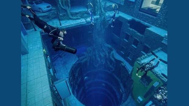 Самый глубокий бассейн в мире открылся в Дубае. Буквально в двух шагах от супернебоскрёба Бурдж-Халифа (Видео)
