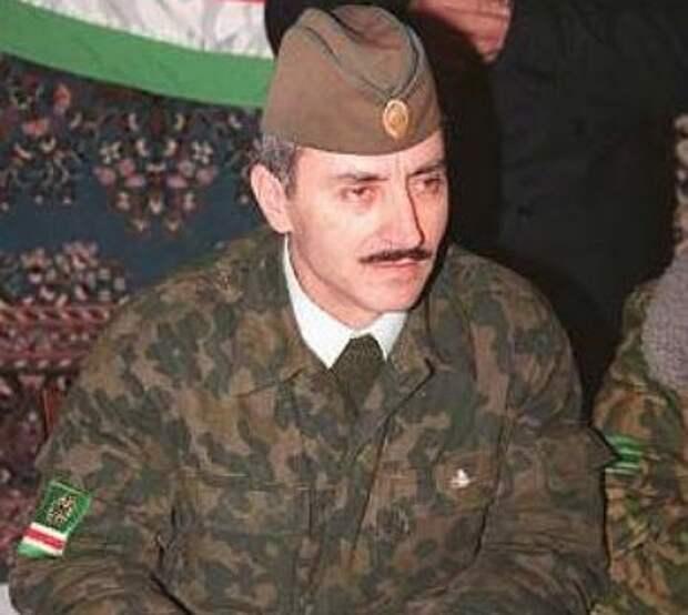 «Чеченские авизо»: кто «наварил» триллионы в 1990-е