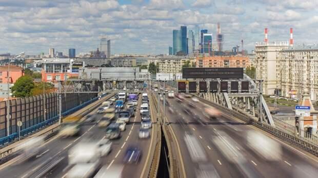 Водителей могут допустить до «выделенок» по ночам и в случаях объезда препятствия