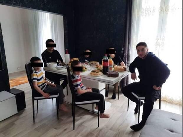 """Убийца французского учителя Абдулак Анзоров заплатил ученикам за """"предательство"""""""