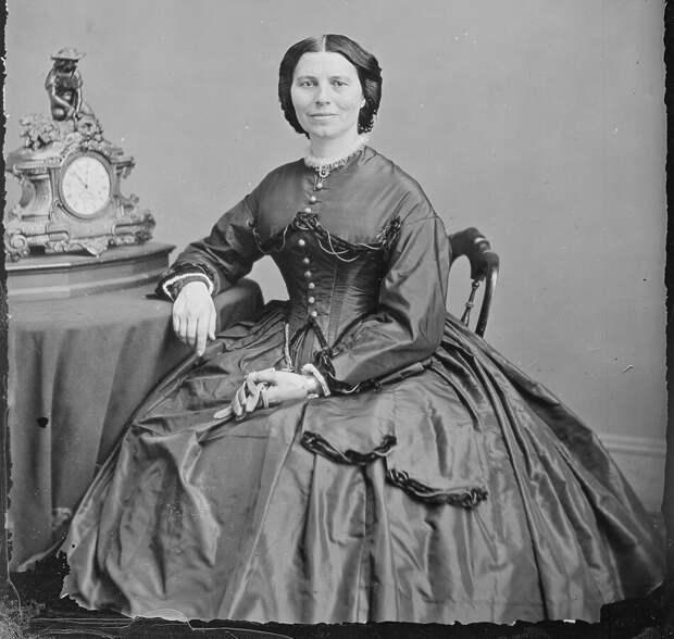 Клара Бартон - какова судьба основательницы Красного Креста в США.