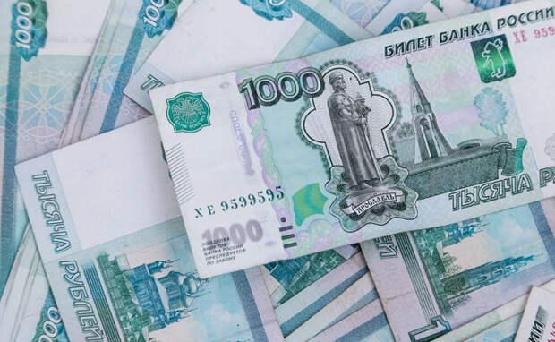 10 тысяч рублей всем школьникам пообещал выплатить Владимир Путин