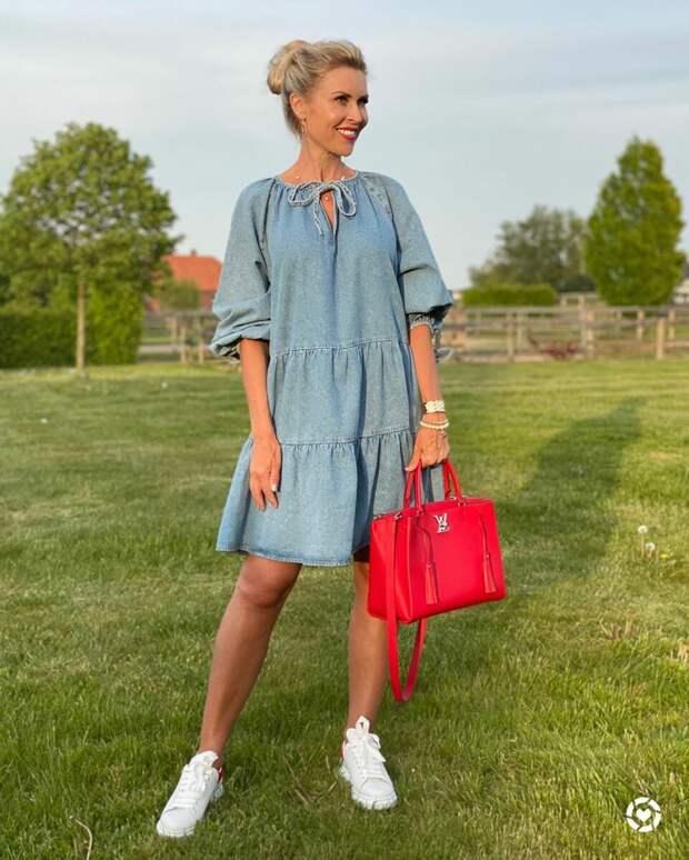 Платье, которое в 2020 году снова покорило европейских модниц