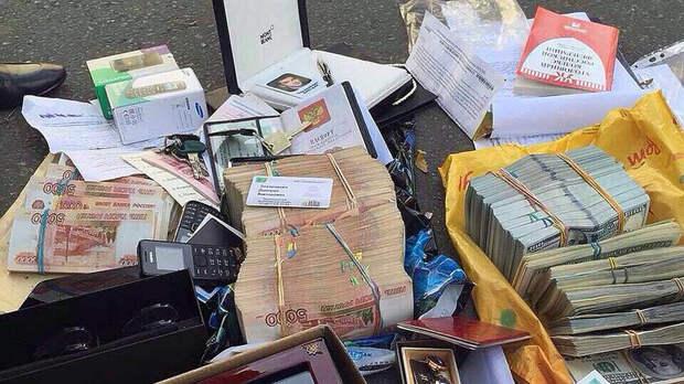 Полковник-миллиардер Захарченко громко заявил о «грабеже граждан»: интервью сидельца