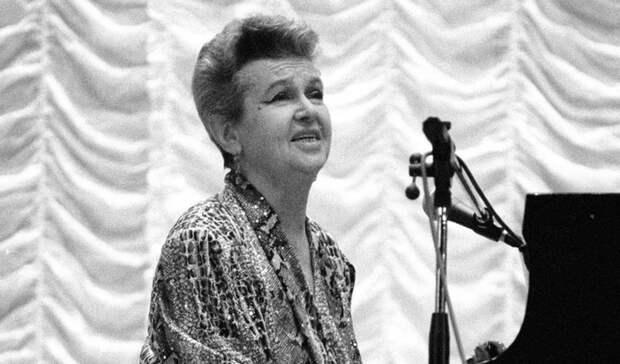 Откоронавируса скончалась народная артистка РСФСР Людмила Лядова изЕкатеринбурга