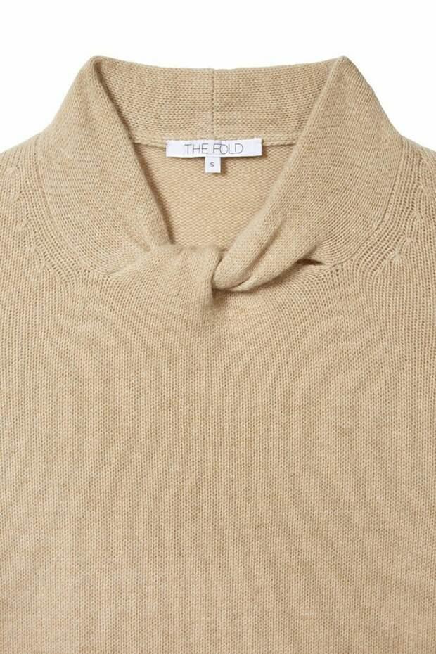 Необычный воротничок свитера