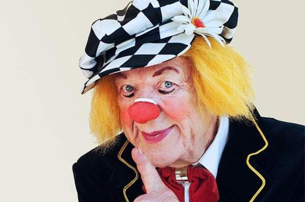 Пост памяти Олега Попова: от нас ушел любимый солнечный клоун