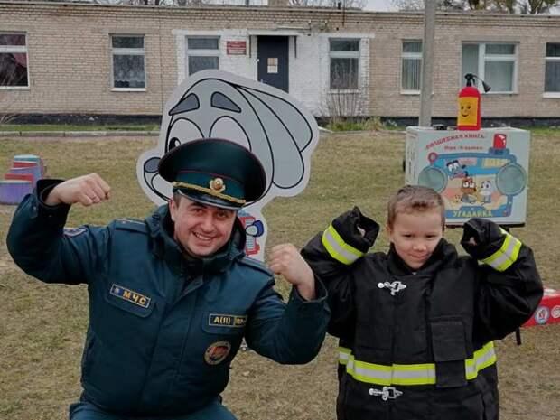 Учимся безопасности вместе со спасателями.