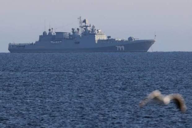 Русские моряки отогнали украинский корабль с журналистом из США