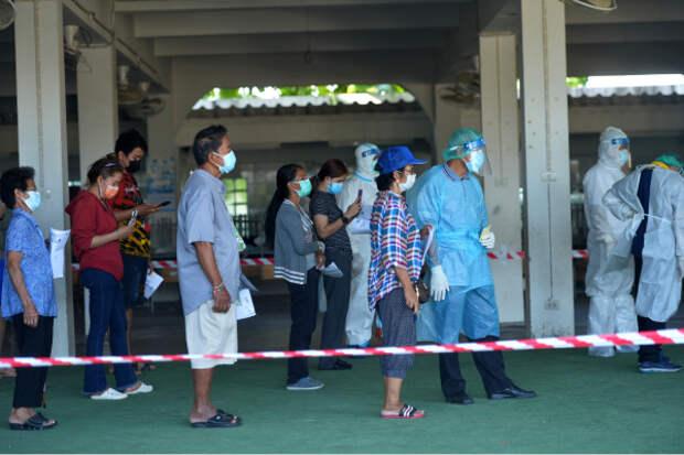 Два года тюрьмы: в Таиланде отказ от вакцинации объявили преступлением