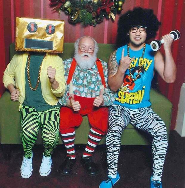 yearly-ageless-santa-pictures-05