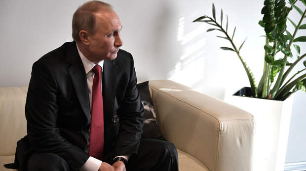 Путин карантин не ввёл, но министров довёл