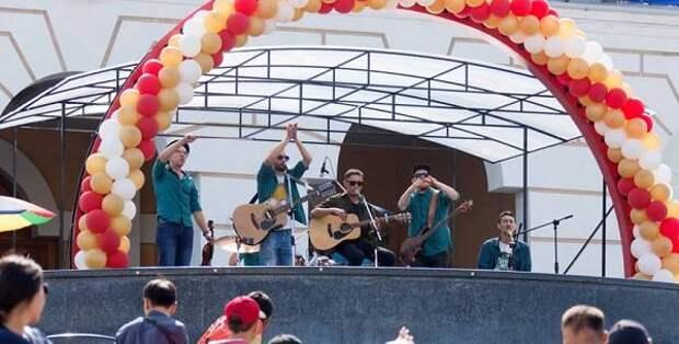 Бестужевцы на площади перед театром поздравят ветеранов ВОВ с Днем Победы