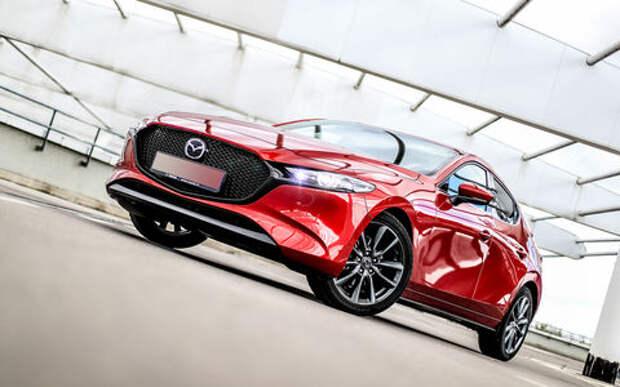 Mazda 3 обошла конкурентов: ее признали самым женским автомобилем