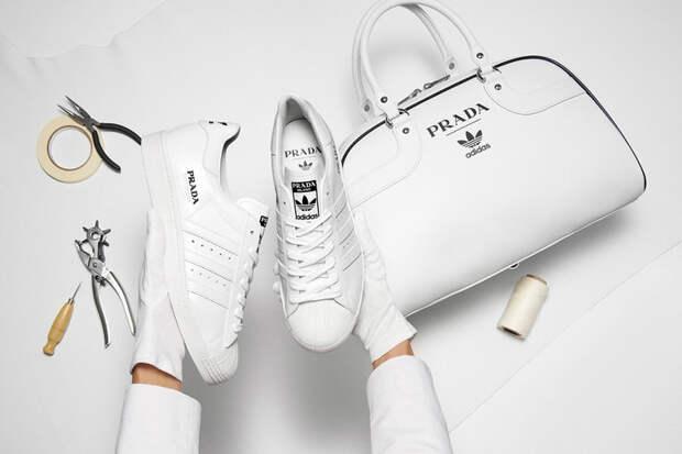 3 фото коллаборации Prada и Adidas. Она напоминает посылку с Aliexpress
