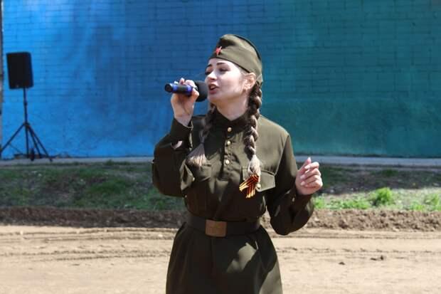 """Женщина величиной с дом появилась в Уссурийске. Ее зовут """"Катюша"""""""