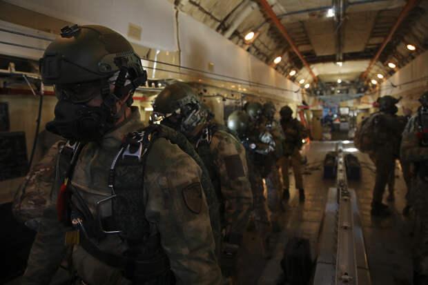 Псковские и Рязанские десантники совершили высотное десантирование с кислородным оборудованием с высоты 6 тыс. метров