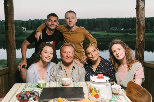 Сергей Шакуров присоединился к «Родным»