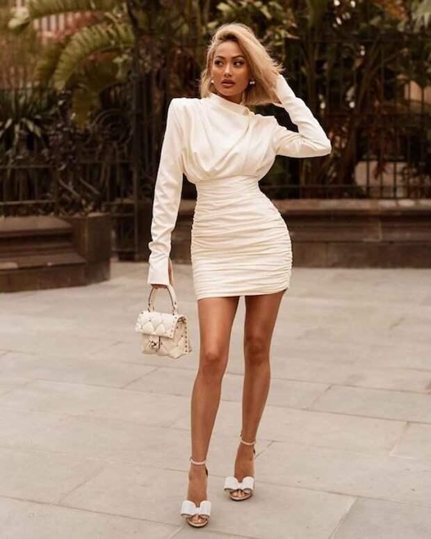 Красивые и модные короткие платья на выпускной 2020