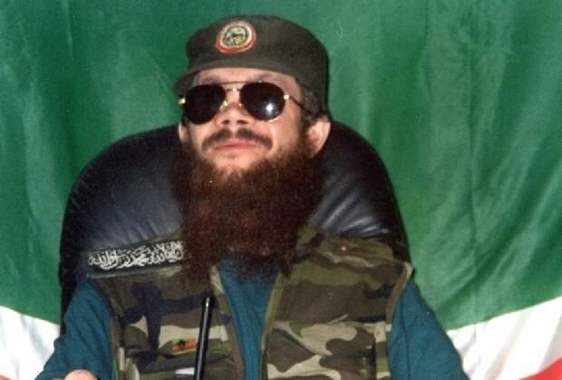 «38 снайперов» против боевиков Радуева в Кизляре: как это было