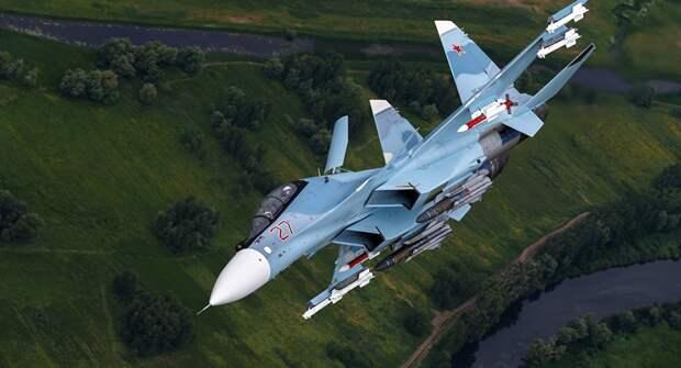 Су-30СМ провели тренировочный полет над Крымом