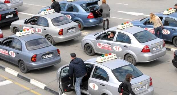 В РФ 75% кандидатов в водители не сдали с первой попытки экзамен по новым правилам
