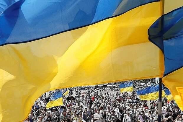 Сенатор Климов оценил требование Киева о статусе ядерной державы