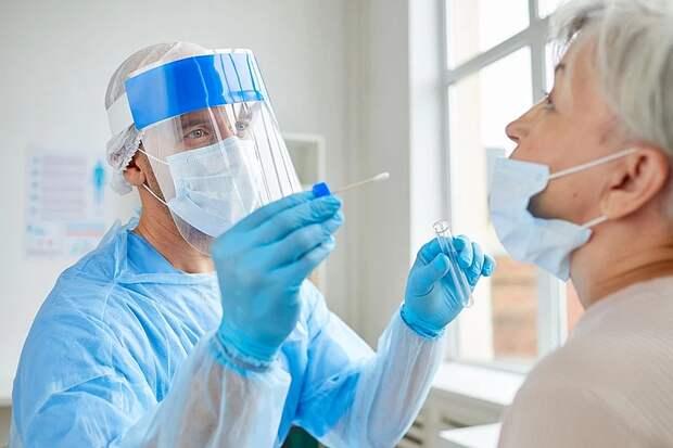 ВОЗ: вторую неделю подряд в мире снижается заболеваемость коронавирусом