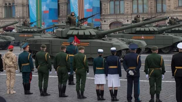 Участник парада Победы на Красной площади потерял сапог во время марша