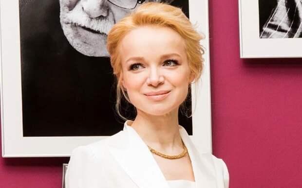 «Верит в скорую победу» — Цымбалюк-Романовскую доставили на допрос
